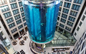 AquaDom, o aquário do Radisson Blu Berlim