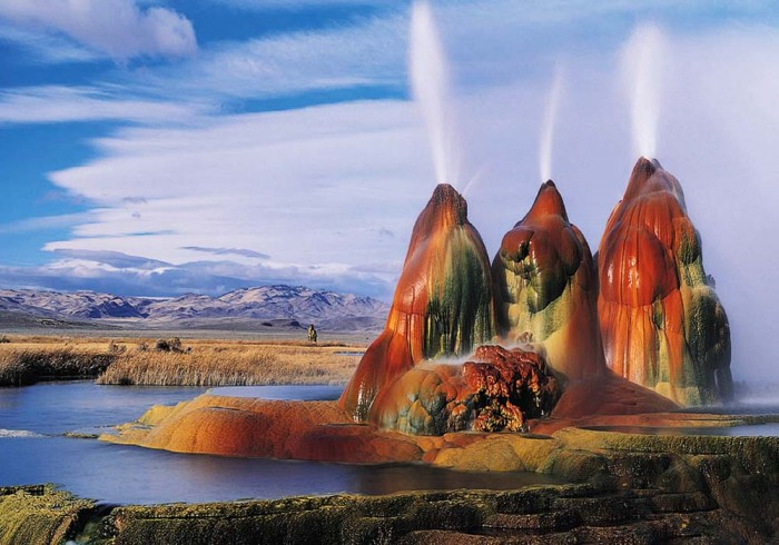 Fly_Geyser-Nevada